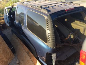 2004 Chevy Tahoe parts for Sale in Goodyear, AZ