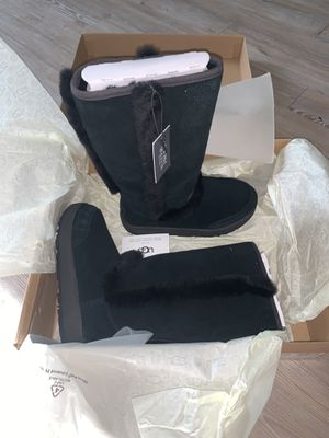 SIZE 5 SUNDANCE UGGS (BLACK) for Sale in Brooklyn, NY