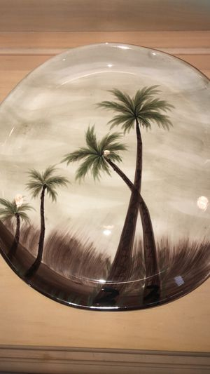 Free 3 Palm Tree Plates for Sale in Abingdon, MD