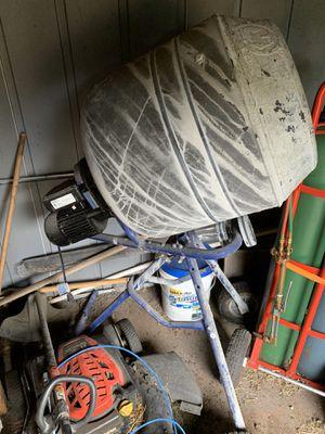 Kobalt 4 cu ft Concrete Mixer 120V for Sale in Pembroke Pines, FL