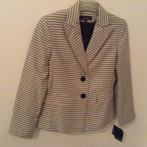 Jones wear Women's Striped Blazer -Size 10 New for Sale in Ellenwood, GA
