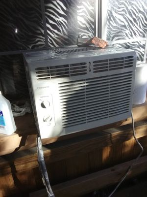 AIR CONDITIONER GREAT FOR WINDOW for Sale in Las Vegas, NV