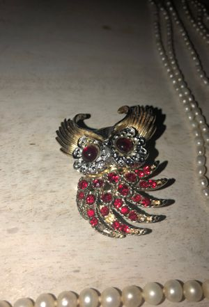 Owl brooch - red jems / gold and silver colored for Sale in Taylor Landing, TX