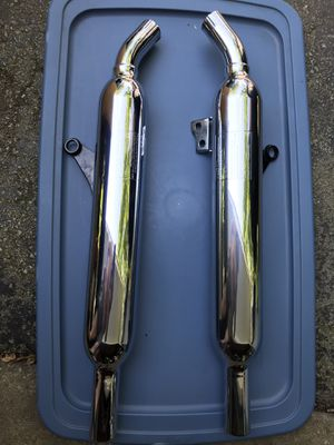 Triumph Bonneville T100 Motorcycle Mufflers, like new condition for Sale in Palos Heights, IL