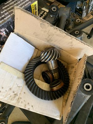Jk Jeep stock suspension parts for sale and stock gears. for Sale in Montclair, CA