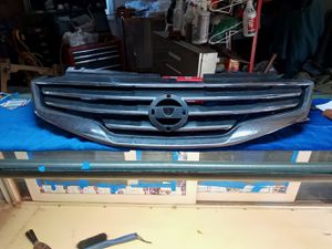 2008-2012 Nissan altima grill for Sale in Boonville, IN