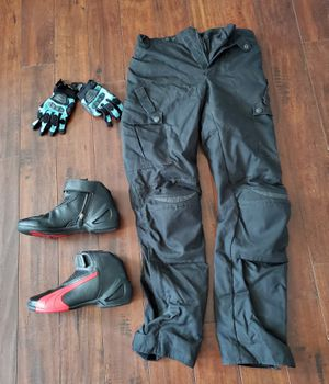 Miscellaneous motorcycle riding gear for Sale in Phoenix, AZ