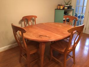 Wooden Table w/ 6 Chairs for Sale in Murfreesboro, TN