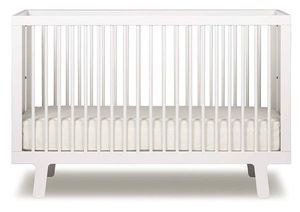 Oeuf Sparrow Crib, White for Sale in Sunbury, OH