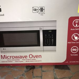 Over The Stove 1000watt Microwave Brand New Still In Box for Sale in Blythewood, SC