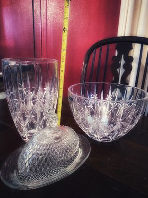 Crystal vase, bowl, and butter dish for Sale in Arlington, TX