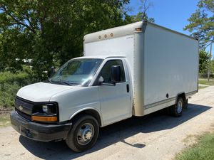 2007 Chevy Silverado Express 3500 HD Dually Box Truck 6.0 Moving Work Van for Sale in Houston, TX