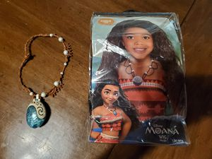 Moana wig and necklace for Sale in Pompano Beach, FL