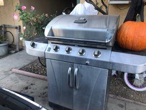 BBQ grill for Sale in Mentone, CA