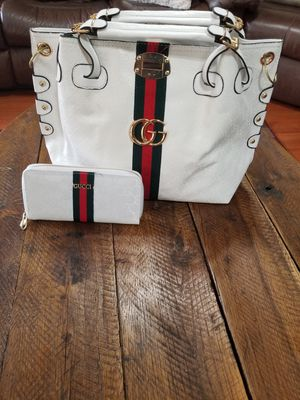 Handbag w/wallet for Sale in Valley Grande, AL