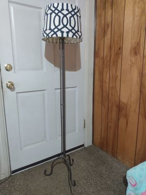 Metal standing lamp for Sale in Kernville, CA