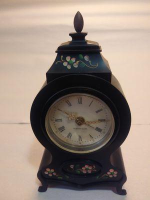 Small Antique Wind'up Clock for Sale in Atlanta, GA