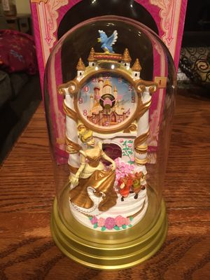 Disney Cinderella Sculptured Anniversary Clock for Sale in Olmsted Falls, OH