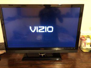 32 inch led Vizio TV for Sale in Chesterfield, VA