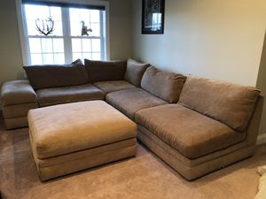 Broyhill sectional for Sale in Morgantown, WV