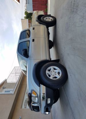 Selling my 2003 Toyota Tacoma SR-5 FWDWheels Low Miles for Sale in Kansas City, MO