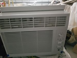 GE ac window unit for Sale in Pompano Beach, FL