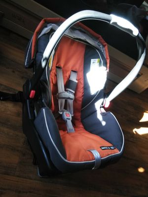 Graco car seat clean click and go for Sale in San Diego, CA