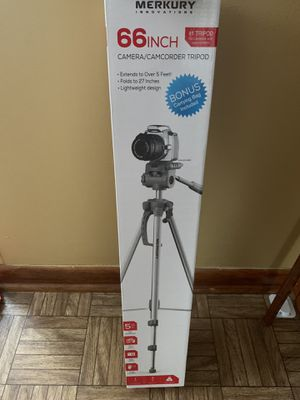 66 inches tripod for Sale in Akron, OH