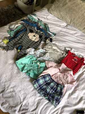 6month baby clothes $5 for Sale in Daly City, CA
