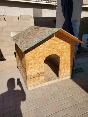HUGE DOG HOUSE & KENNEL for Sale in Laveen Village, AZ