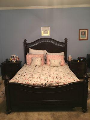 Queen Size Bedroom Suite-Adjustable Bed! for Sale in Salisbury, NC