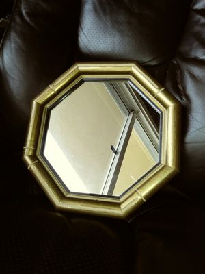 Small Octogan Wall Mirror for Sale in Lake Worth, FL