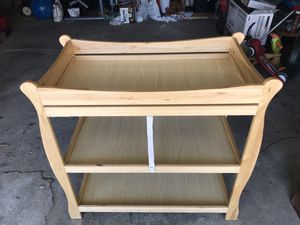Baby changing table for Sale in Chicago, IL