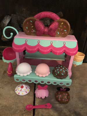 Disney minnie mouse ice cream shop toy for Sale in Ellington, CT