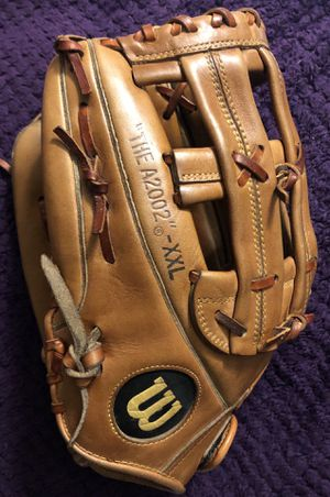Left-Handed Wilson A2000 Baseball Glove for Sale in Hacienda Heights, CA