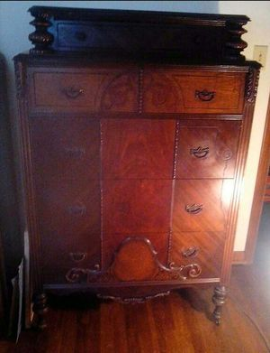 Antique Dresser with Cedar Bottom Drawer for Sale in Columbus, OH