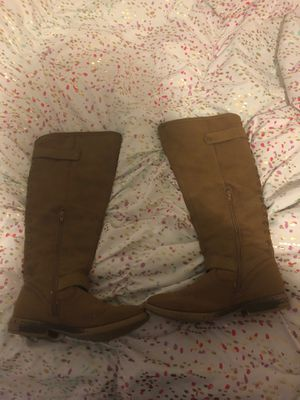 Girl boots size 7 for Sale in High Point, NC