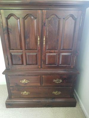Ethan Allen Dresser for Sale in Arlington Heights, IL