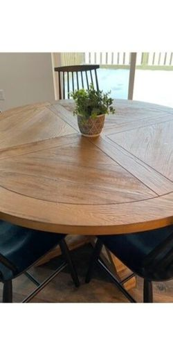 Table for Sale in Port Orchard,  WA