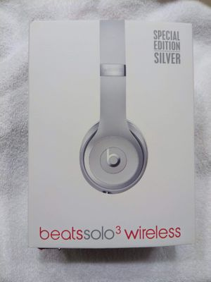 Beats Solo 3 Wireless headphones for Sale in Memphis, TN