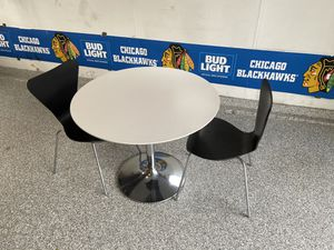 Room and board table and chairs for Sale in Glen Ellyn, IL