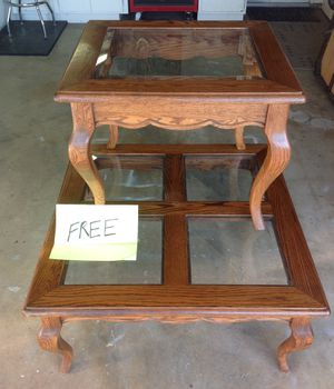 Coffee table end table set, Free for Sale in Rancho Cucamonga, CA