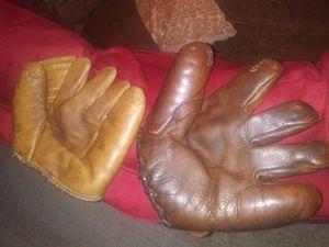 Lot of 5 Vintage Baseball Gloves for Sale in Alafaya, FL