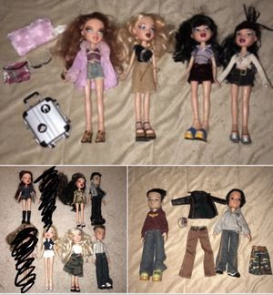 BRATZ DOLL LOT OF 12 w/accessories for Sale in Wexford, PA