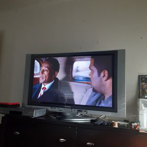 40 inches tv Panasonic asking 125 r best offer for Sale in Murfreesboro, TN