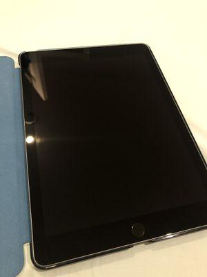 Barely Used iPad 6th Gen 32GB for Sale in Renton, WA