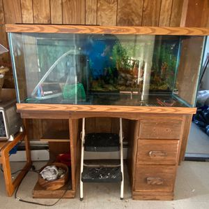 Fish Tank 75 gallon for Sale in Providence, RI
