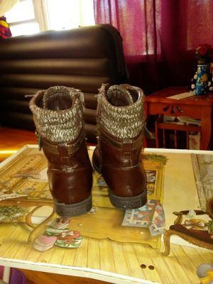 Girls boots for Sale in Sugar Creek, MO