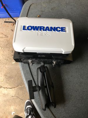Lowrance hds 7 fish finder for Sale in Dracut, MA