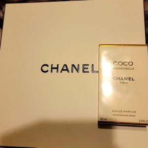 Coco Mademoiselle Chanel Perfum 3.4 Ft.oz. for Sale in Fontana, CA